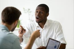 Peut-on reprendre un membre de notre église, même le pasteur ?