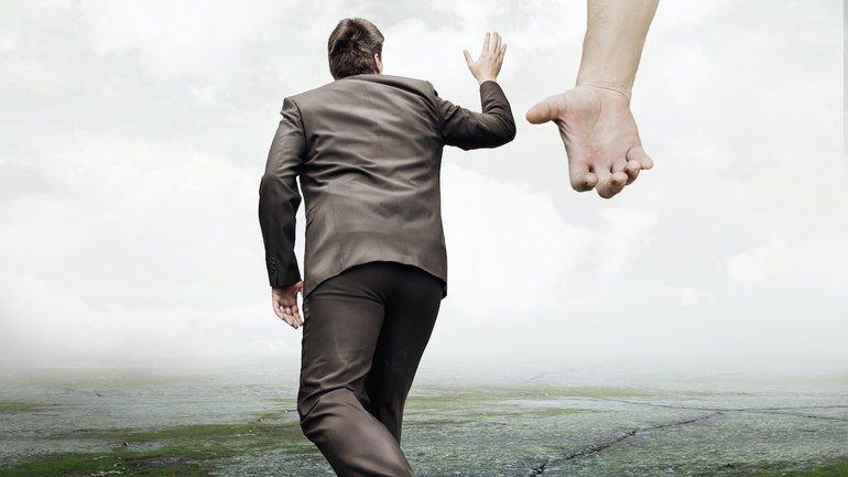 Les pas du juste sont entre ses mains !