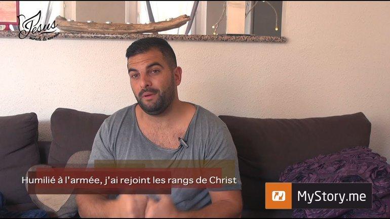 """MyStory - L'histoire Lucas : """"Humilié à l'armée, j'ai rejoint les rangs de Christ"""""""