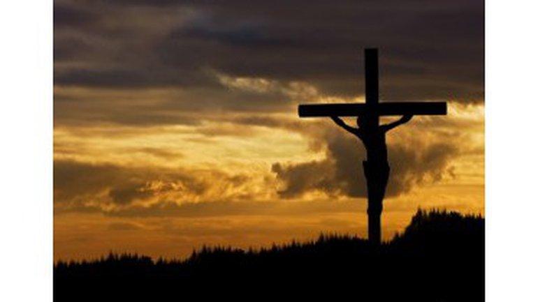 Crucifié !