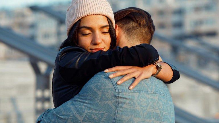 7 raisons de se faire des câlins quotidiennement