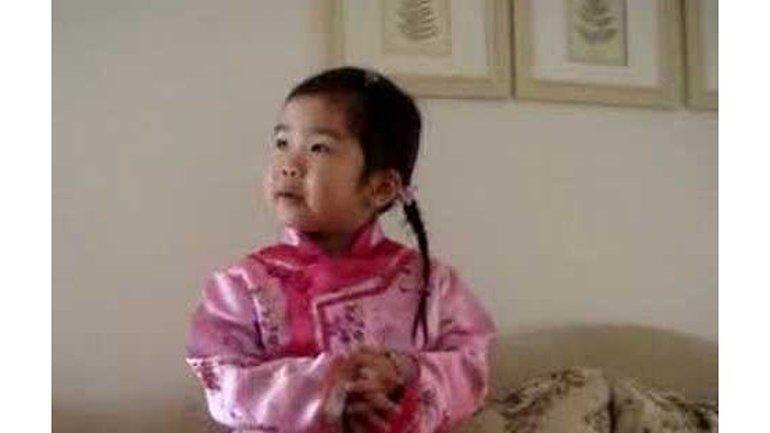 'Jean 3:16' chanté par une fillette de 3 ans (en Mandarin)