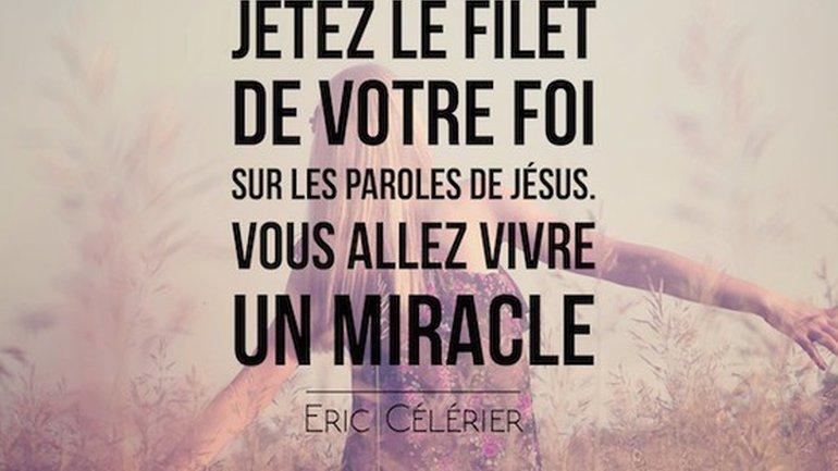 Mon ami(e), Jésus passe aujourd'hui, n'aie pas peur de l'importuner