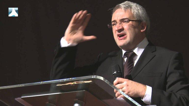 Frank Lefillatre : Rentrer dans l'infini de Dieu