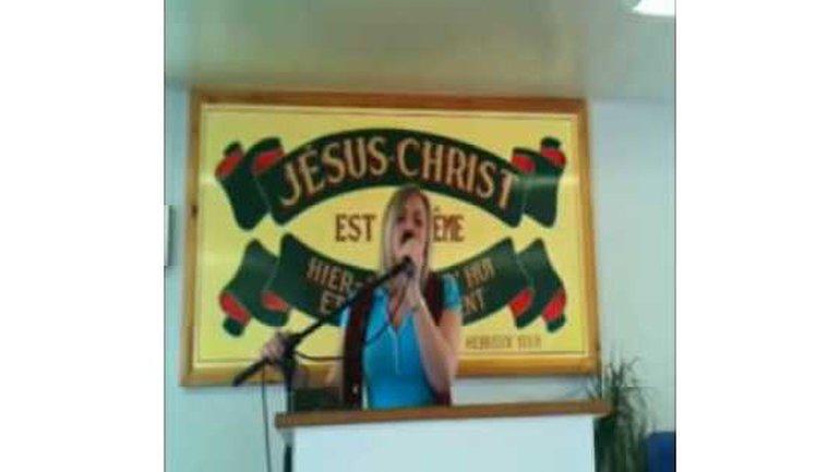 Préscillia chante en Espagnol