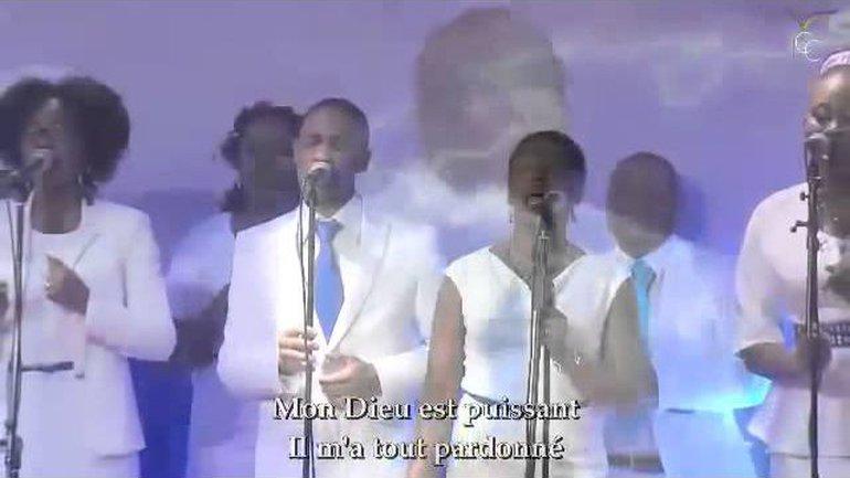 Chant de louange : Mon Dieu est puissant