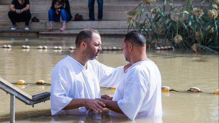 Est-on sauvé par le baptême ?