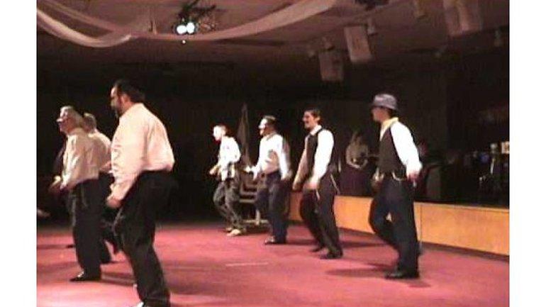 Miami Boy's Choir - Hine ma tov (Danse israélienne)