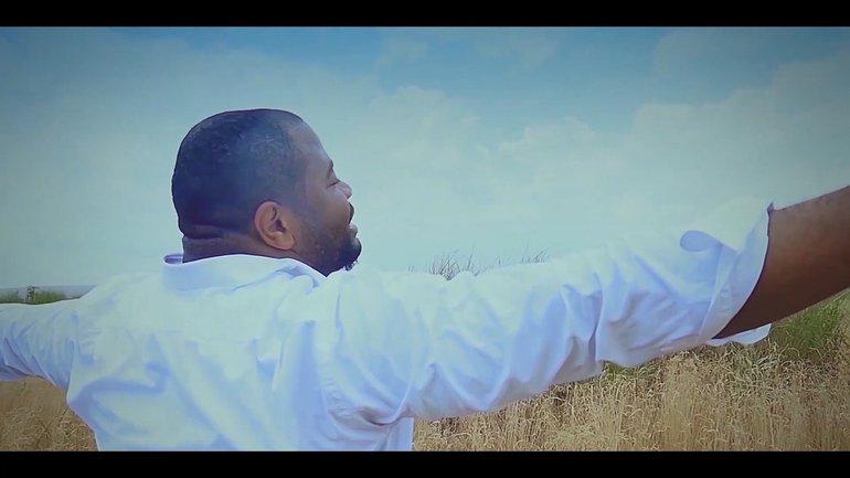 Moise Mbiye - TANGO NAYE