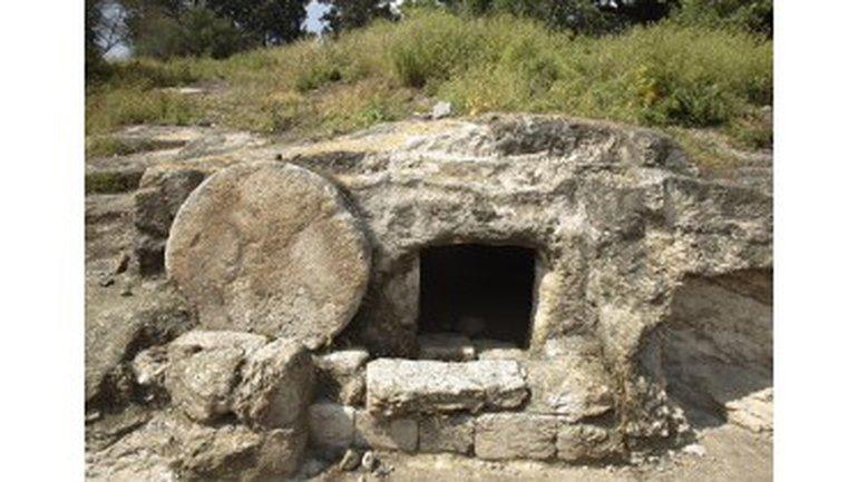 Jésus est mort ET ressuscité ! ALLELUIA !