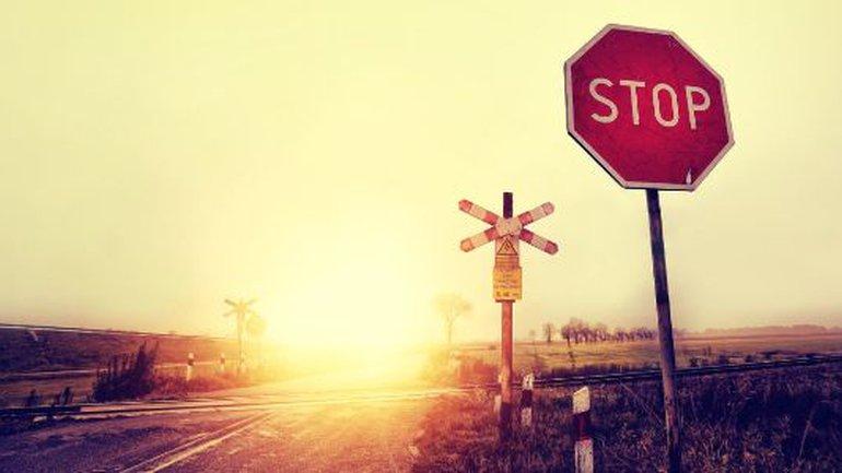 Arrêtez-vous et sachez qu'il est Dieu