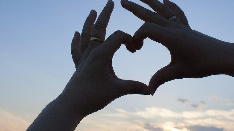Dieu vous tend la main