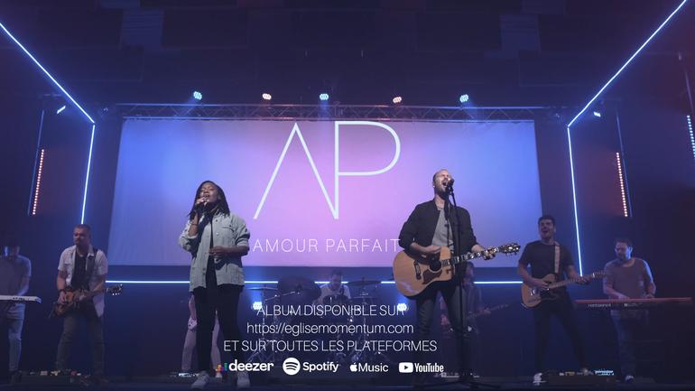 AMOUR PARFAIT LE PREMIER ALBUM DE L'ÉGLISE MOMENTUM