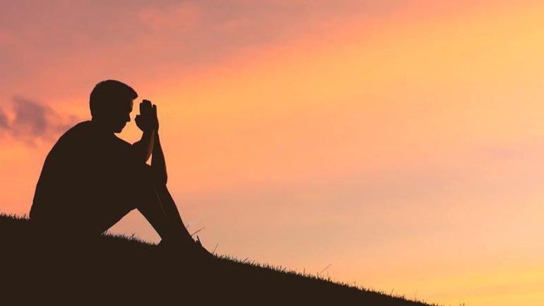 Prier aux heures sombres