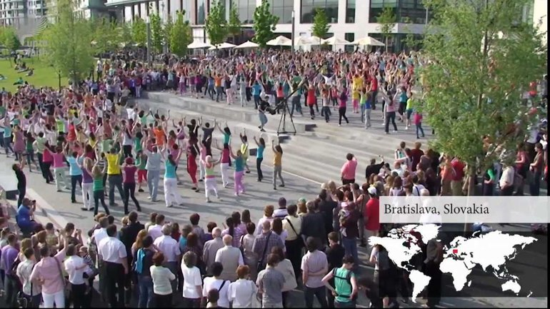 UptoFaith Global Dance - Flashmob Pâques 2011