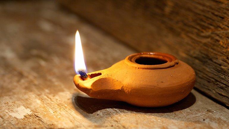 Mettons de l'huile pure dans notre lampe