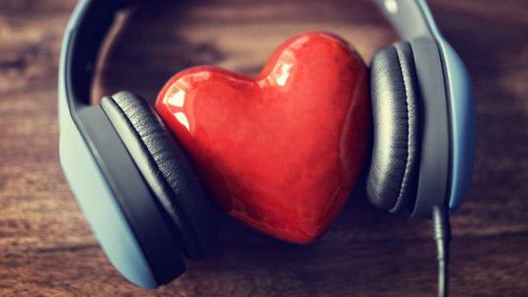 Écouter plus, parler moins…