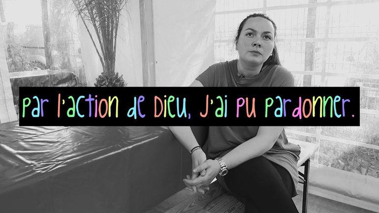 PAR L' ACTION DE DIEU, J'AI PU PARDONNER - Témoignage Kelly foraine