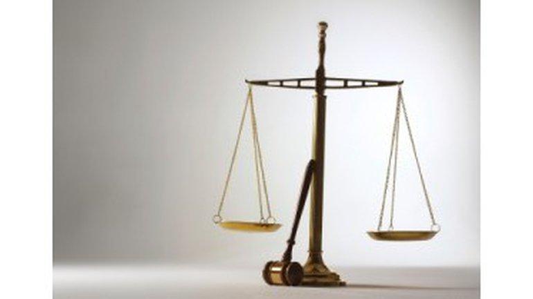 Un chrétien peut-il avoir recours aux tribunaux ?
