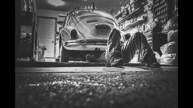Vous asseoir dans un garage ne fait pas de vous une voiture ! Par le pasteur Jean-François Gotte