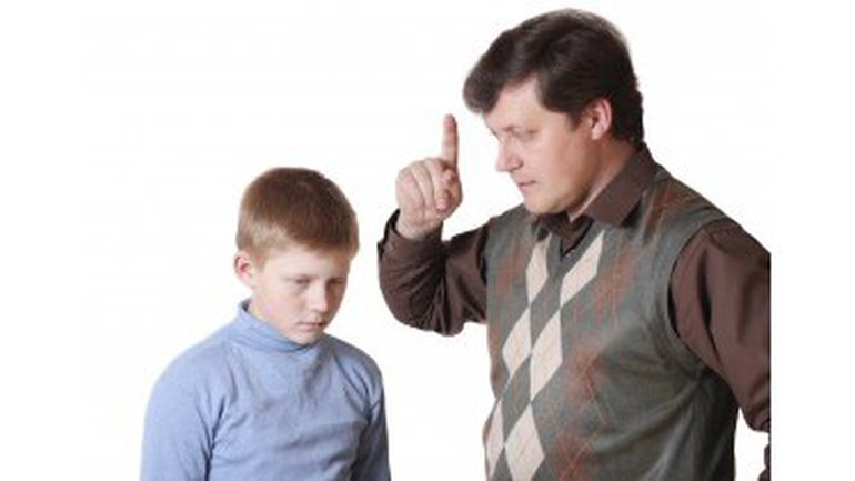 Les hommes affrontent-ils les conflits ?