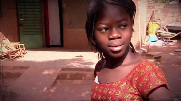 """""""Petite fille du Burkina"""" - un clip de Pierre Lachat"""