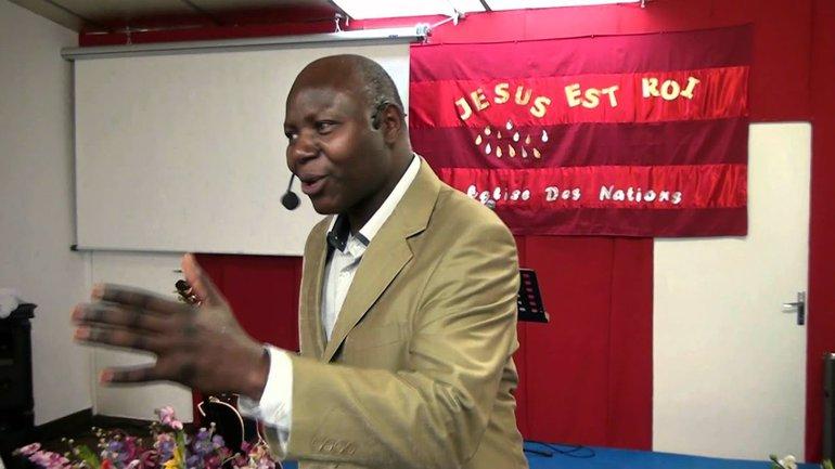 Henri Koumba - Le Nom de Jésus (4)