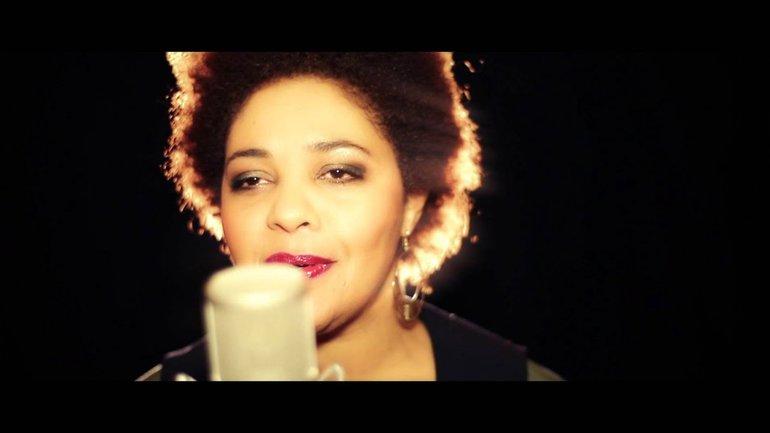 Géraldine Feuillette - What can I do (Acoustic Live Session)