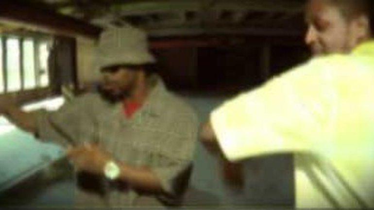 "Clip B-jay & Godly ""Lève les mains"""