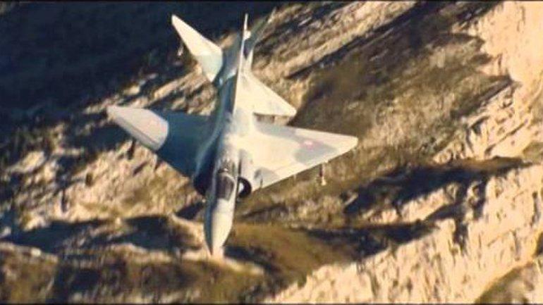 Comme des avions de combat